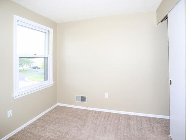 Summit Knolls Apartments And Townhomes 900 1 Summitville, Webster, Ny 14580