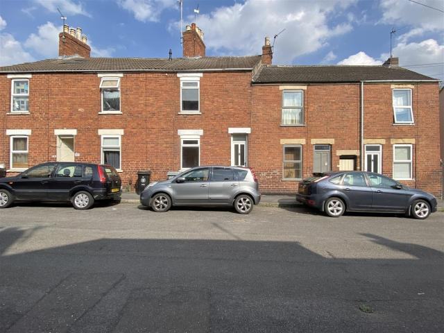Terraced 2 Bedroom House For Sale In Dudley Road, Grantham On Boomin