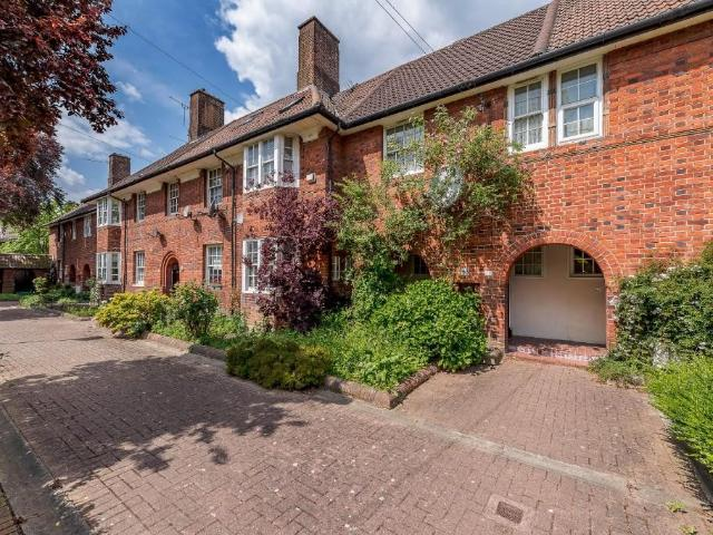Terraced 3 Bedroom House For Sale In Foliot Street, East Acton, W12 On Boomin