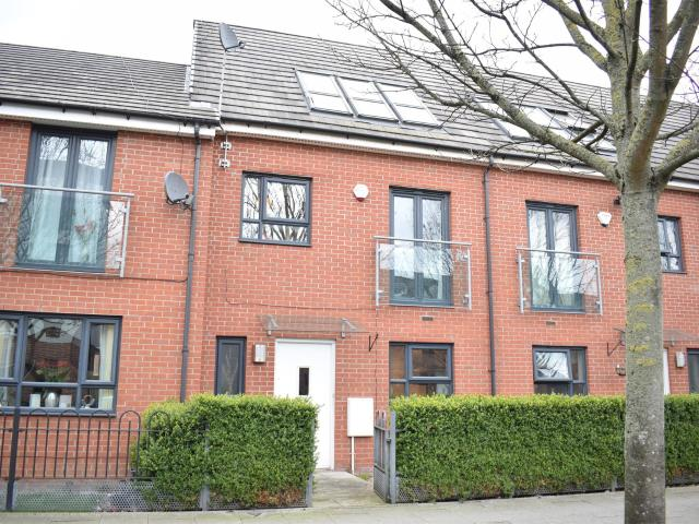 Terraced 4 Bedroom House To Rent In Broughton Lane, Salford M7 1uf On Boomin