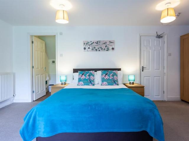 Terraced 5 Bedroom House To Rent In Lower Seedley Road, Salford, M6 5ng On Boomin