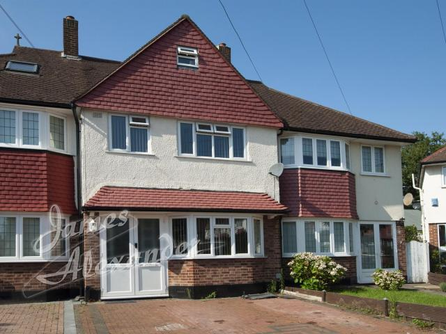 Terraced 5 Bedroom House For Sale In St. Stephens Crescent, Thornton Heath On Boomin
