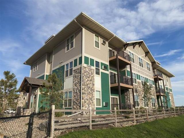 The Living Is Easy At Prairie Pines At The Ridge Comfortable 1 Bed1 Williston