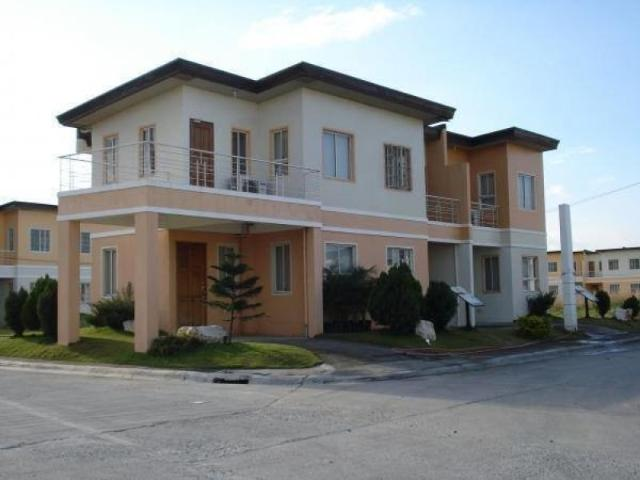 Three Bedroom Townhouse For Sale In Carmona Cavite
