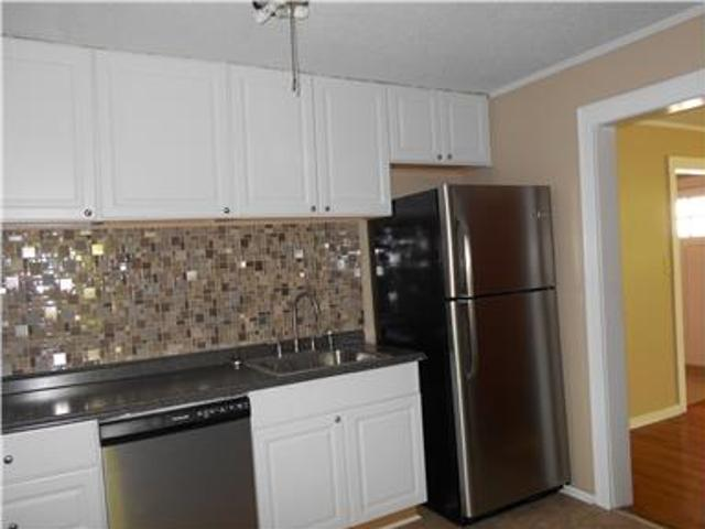 Three Br Home In Park Circle For Rent