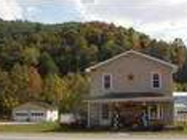 Three Br In Circleville Wv 26804