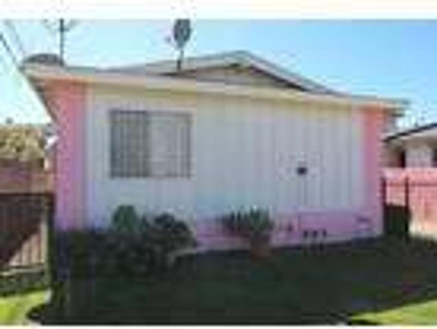 Three Br Two Ba In Inglewood Ca 90303