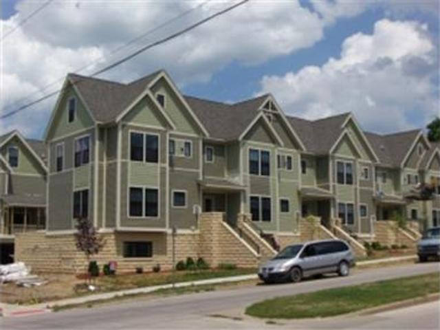 Three Story Townhouse Across From College Green!