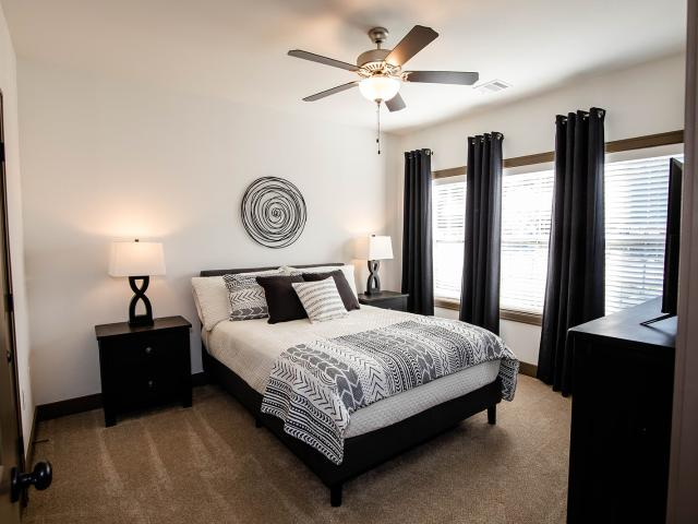 Thrive At Creekside 1 Bedroom Apartment For Rent At 15310 Trailside Dr, Parkville, Mo 64152