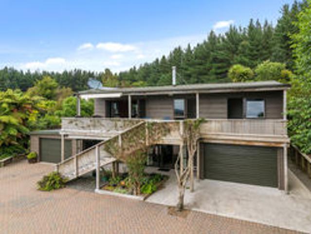 Timber Lodge Motuoapa Holiday Home