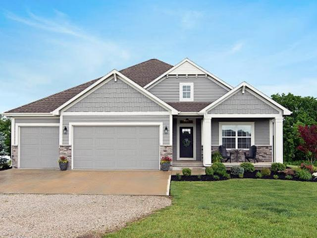 Tonganoxie Three Ba, Beautiful Four Br Ranch Secluded In The