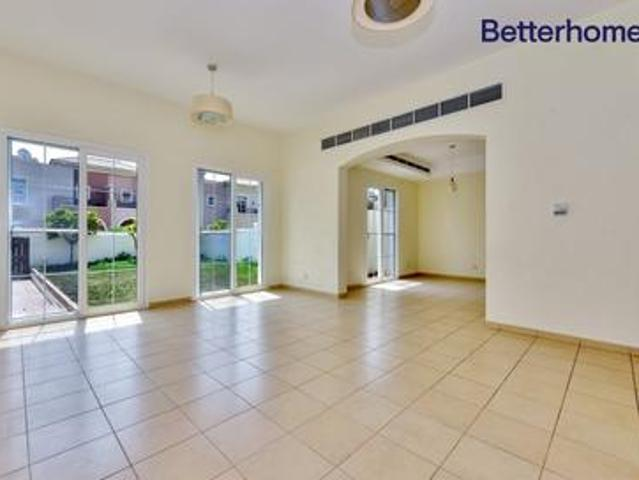 Top Location | 2m | Perfect Lifestyle |call Hannah