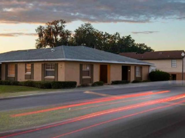 Townhomes, Outdoor Extra Storage, Picnic Area. 1 Herald Drive, Leesburg, Fl