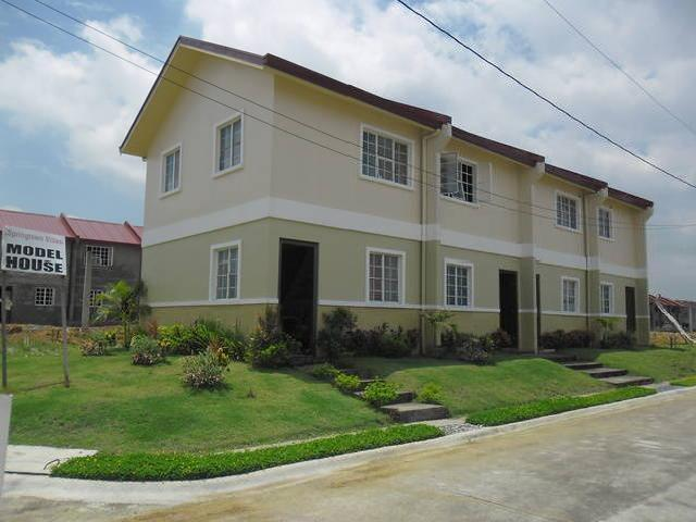 Townhouse 30 Min. Away From Sm Fairview For Only 5k/month