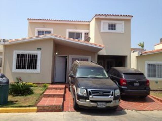 Townhouse En Venta Maracaibo Caminos Del Doral Remaxmillenium