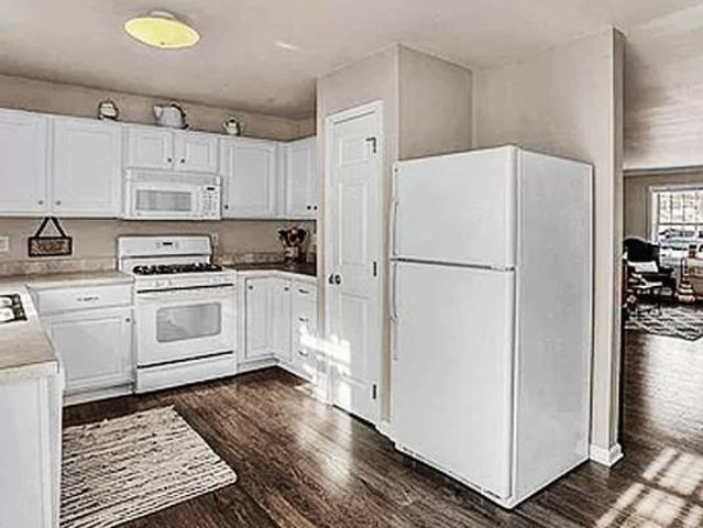 $$townhouse For Rent $800 Features A Living Room$$ Harrisburg, Pa