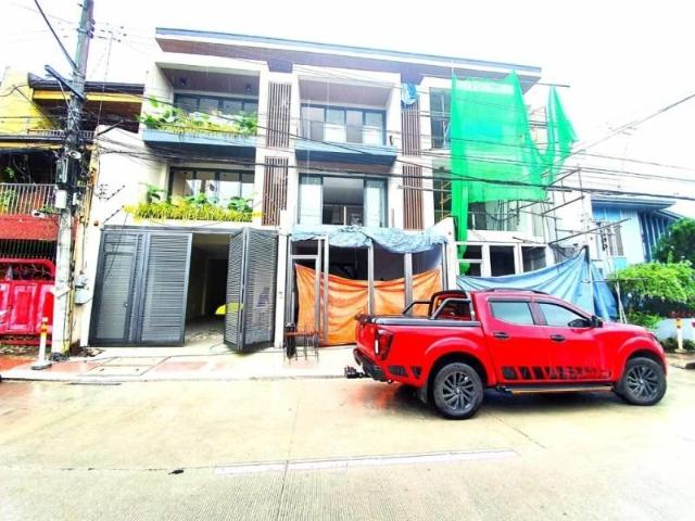 Townhouse For Sale House And Lot Diliman Quezon City