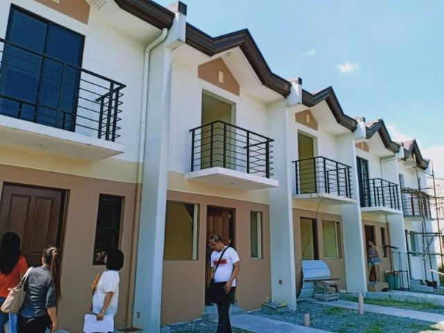 Townhouse In Lambakin, Marilao, Bulacan Reserve Now For 20k ?