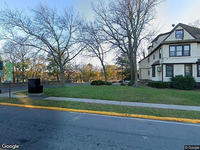 Townhouse/condo In Bloomfield