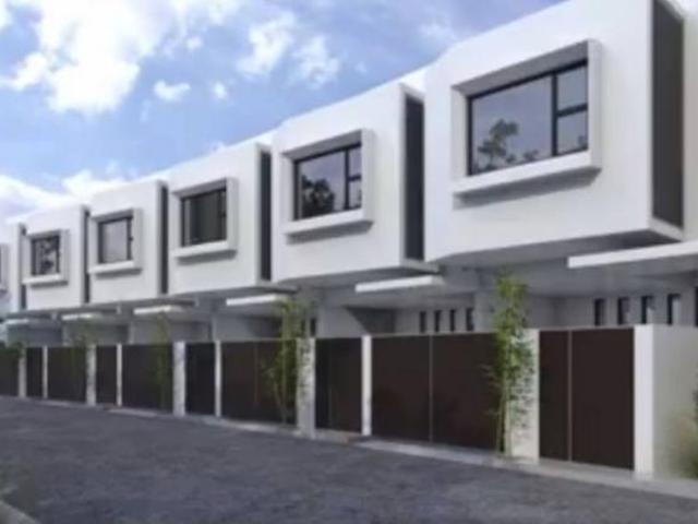 Townhouses For Sale In Taytay Walking Distance To Ortigas Ext