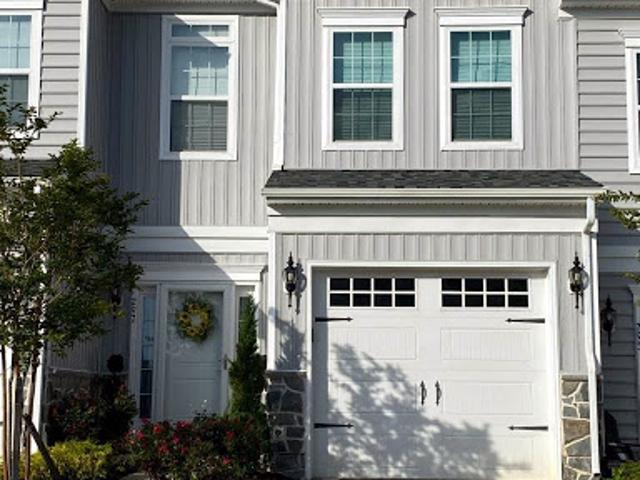 Townsend Three Br 2.5 Ba, Welcome Home! This Home Shows Pride Of