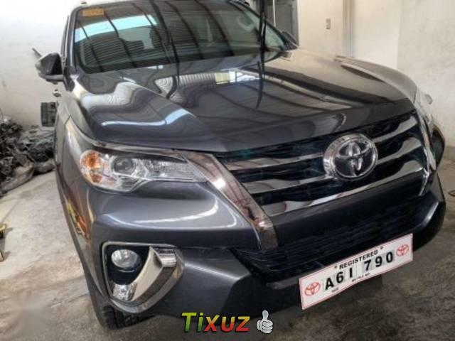 Toyota Fortuner - used toyota fortuner metallic silver