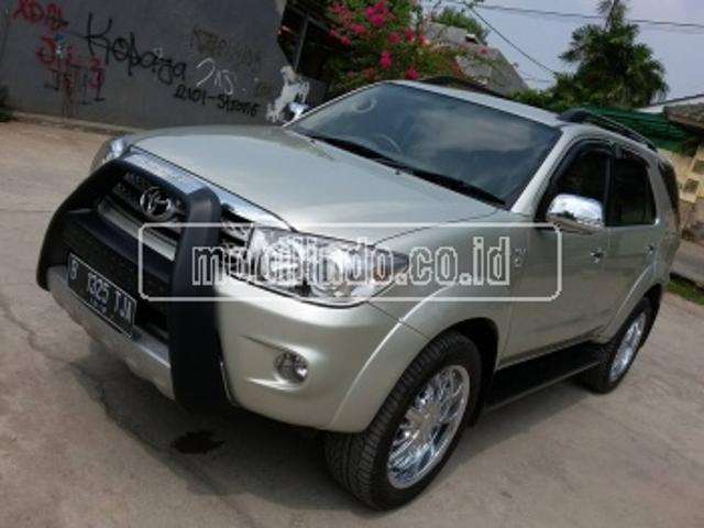 Toyota fortuner 2 7 g lux 4x2 at mc