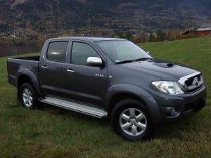 Toyota hilux 2010 manual 8 litres