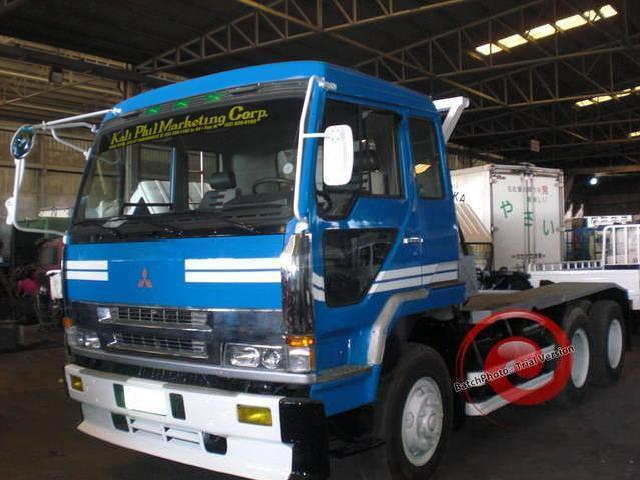 Tractor head fuso 6 10 wheeler