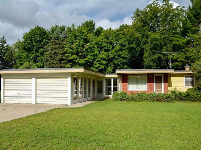 Traverse City Three Br One Ba, Mid Century Ranch On Very Large