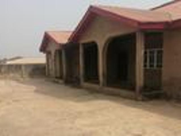 Twin Flat Of 4 Bedroom With Cofo At Celica Area Ibadan
