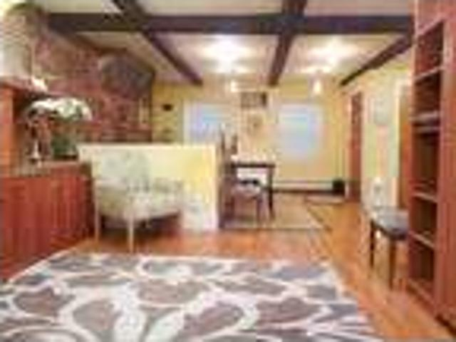 Two Bedroom House In Chinatown, Boston