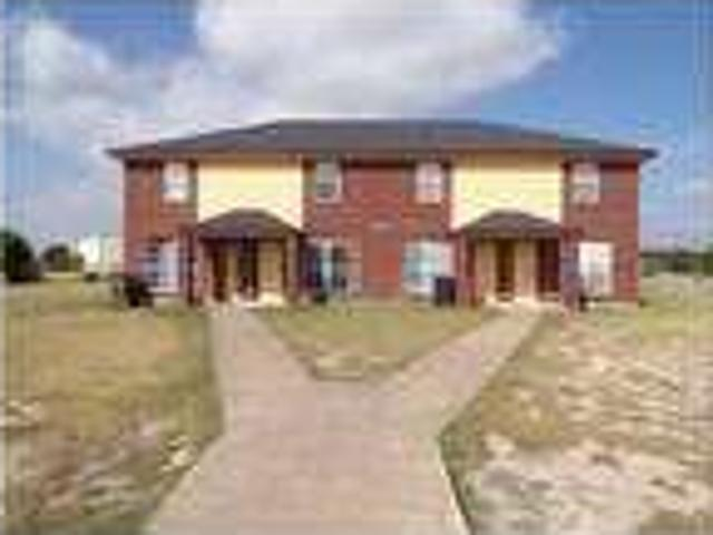 Two Br, 1.5 Ba Townhouse Apartment For Rent In Killeen!