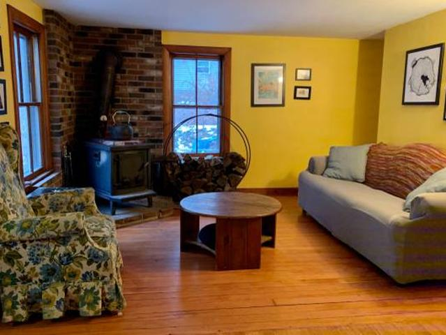 Two Rooms Open In Lovely Florence Home 91 Or 915 Florence