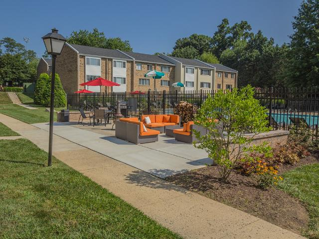 Tysons Glen Apartments & Townhomes The Lilly