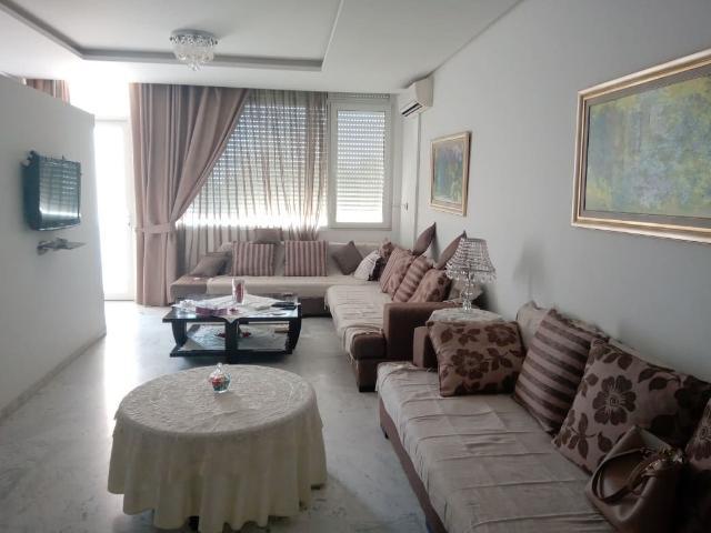 Un Bel Appartement Dans Un Emplacement Privilégié À Khzema