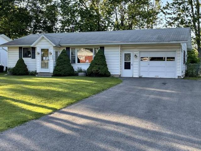 Unreserved Real Estate Auction 4863 Juneway Drive S Liverpool, Ny