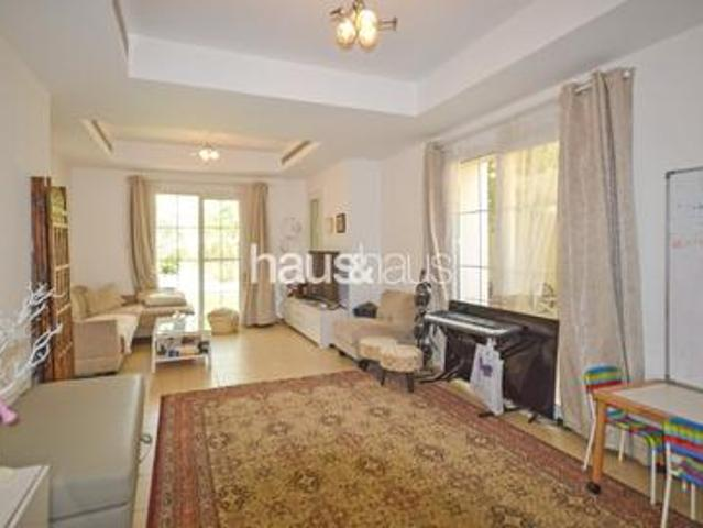 Upgraded 3/4 Bed Opposite Park And Pool Vot