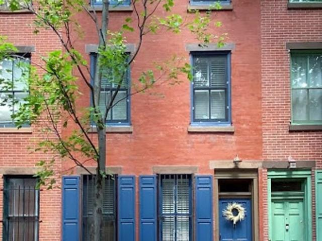 Upscale Three Br, Three Ba Home Located On Charming Appletree St