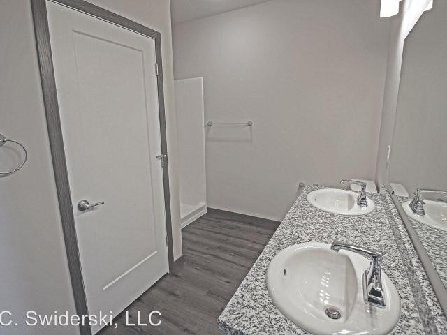 Urban West 2 Bedroom Apartment For Rent At 1425 N 12th Ave, Wausau, Wi 54401
