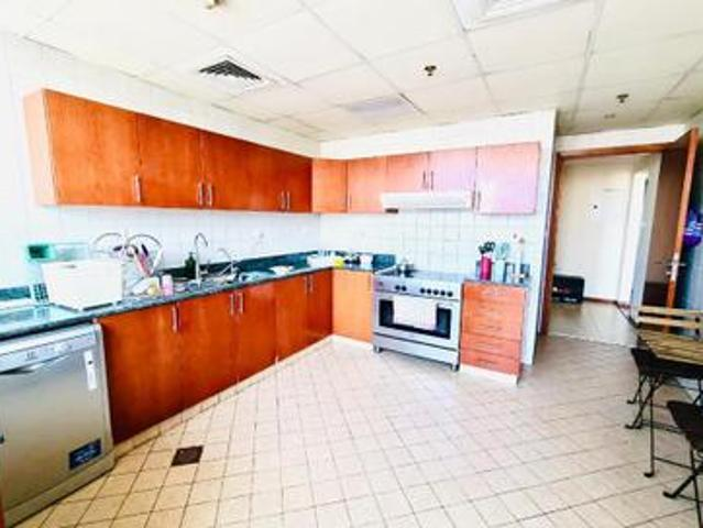 Vacant |high Floor |very Spacious |quick Sale