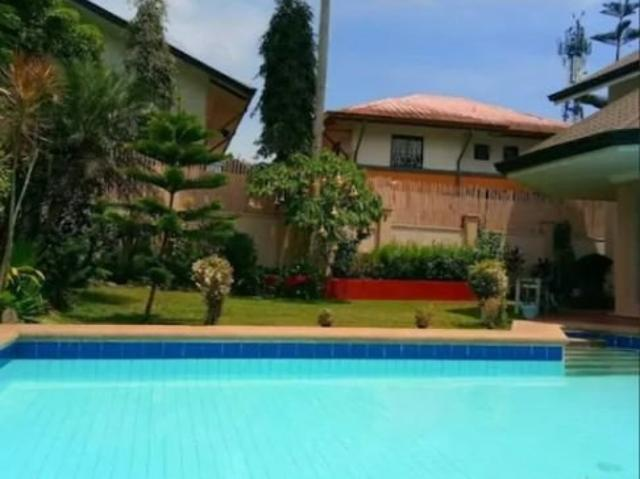 Vacation House With Pool In Tagaytay For Sale! Fully Operational