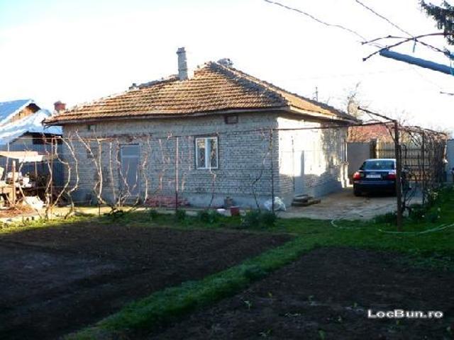 Vand Casa In Gaesti 4 Camere Neg