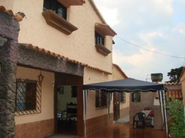 Vendo Amplia Casa Con Tres Anexos En San Antonio De Los Altos
