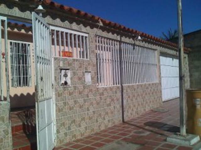 Vendo Amplia Casa En Urb Matalinda