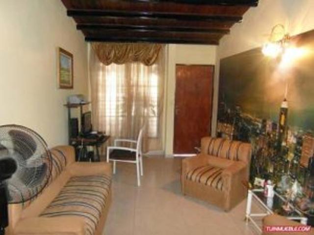 Vendo Bella Casa Con Anexo Tipo Chalet Urbanizacion Ciudad Jardin.cagua