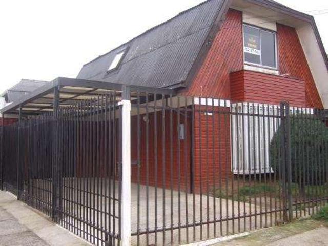 Vendo Casa En Juan Pablo Ii, Con Amplia Dependencia, Ideal Comercial, O Quincho, O Depto L
