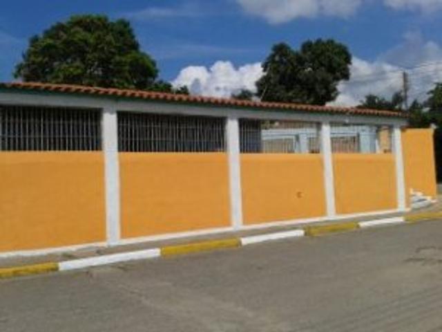 Vendo Casa En Urbanización Con Vigilancia Privada