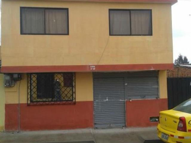 Vendo Hermosa Casa, 2 Pisos Barrio 4 De Junio, Calle Principal Casa En Venta En Cayambe Ju...