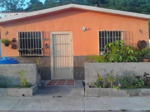 Vendo Hermosa Casa La Cambio X Carro Y Efectivo Negociable